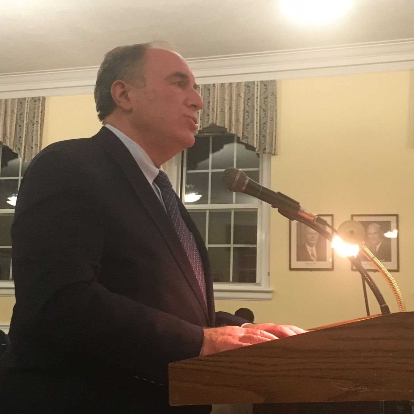 Top cop law draws fire in Floral Park