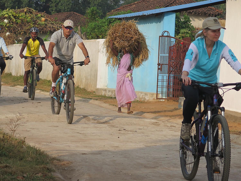 India_20161110_0771e2 (c) Karen Rubin-cycling Kahna