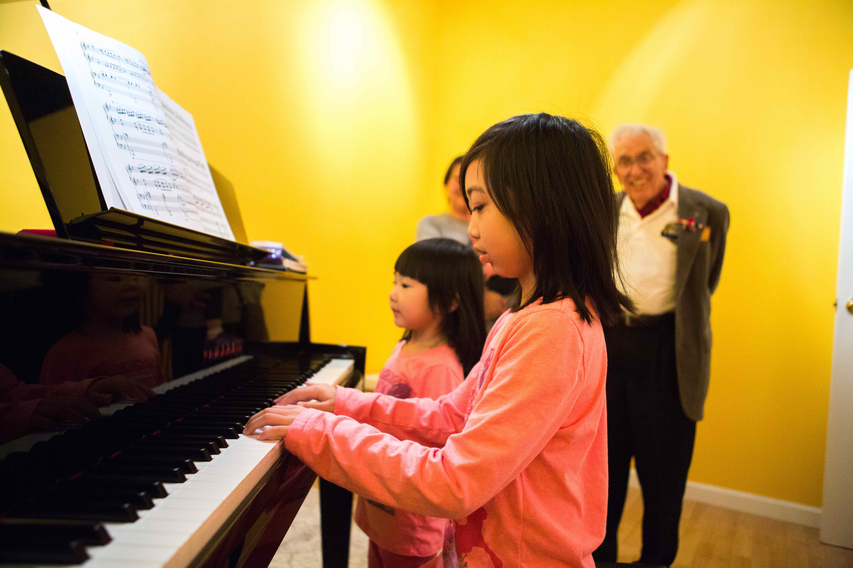 child childrens music school - HD5760×3840