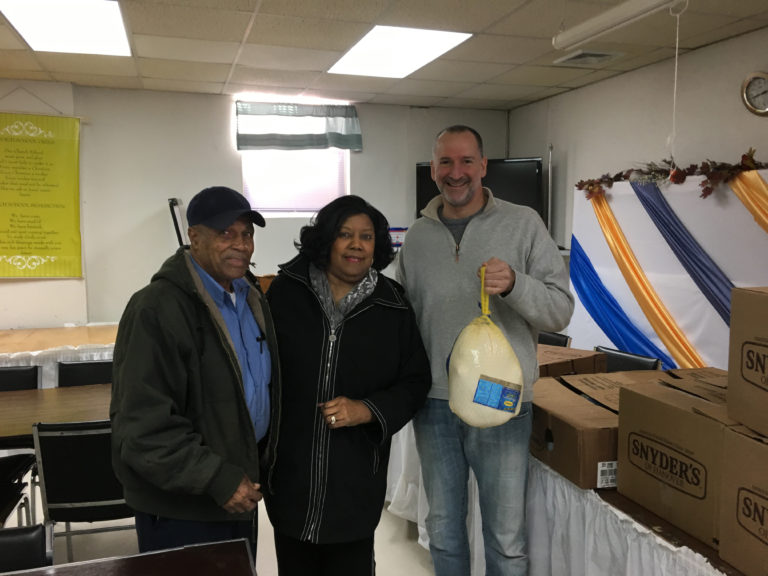Haber family delivers more than 100 turkeys before Thanksgiving