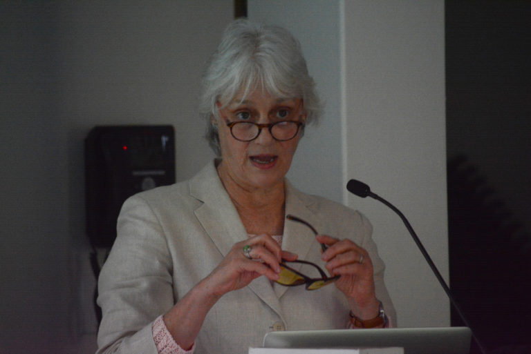 Patti Wood discusses emerging technologies at Great Neck Library