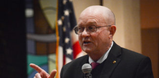 Col. Lawrence Wilkerson, who was chief of staff to Secretary of State Colin Powell, speaks to congregants at Temple Emanuel of Great Neck on what a sound foreign policy should look like. (Photo by Janelle Clausen)