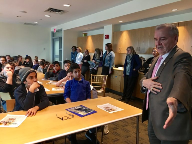 Assemblyman D'Urso brings history to life to Silverstein Hebrew Academy students