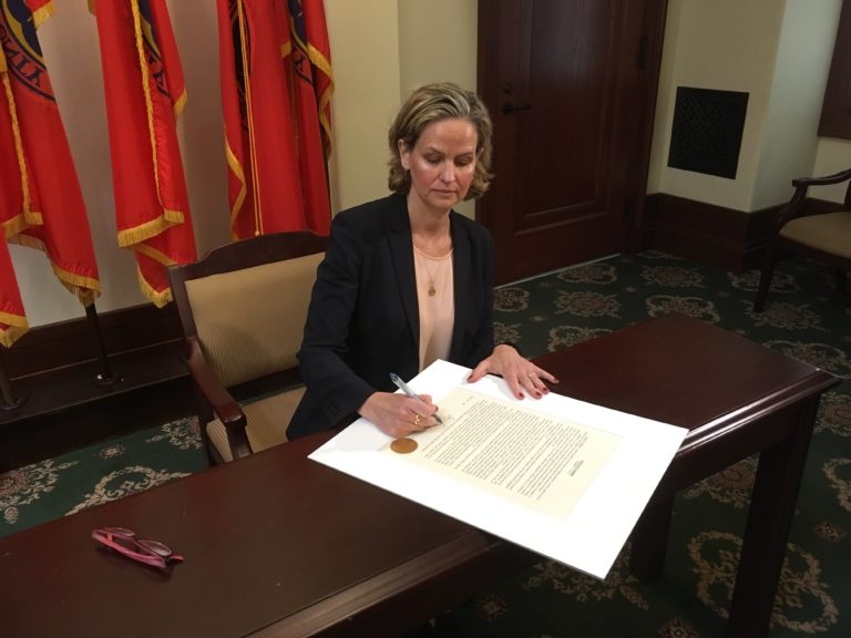 Curran announces reforms to Nassau contracting process