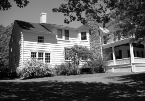 The Sands-Willet House in Port Washington. (Photo from Fred Blumlein, a trustee of the Cow Neck Peninsula Historical Society).