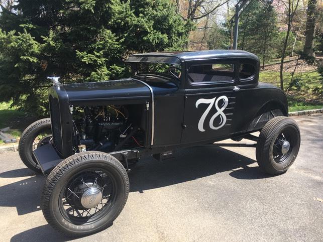Vintage cars race to Port Washington