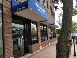 Element Seafood in Great Neck Plaza is no more. (Photo by Janelle Clausen)