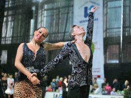 Nationally acclaimed ballroom dancers Artur and Alina Shvetsova will be visiting Great Neck Plaza. (Photo courtesy of Zimmerman/Edelson)