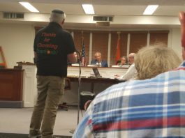 Howard Hassan of Everfresh addresses the Board of Trustees in the Village of Great Neck. (Photo by Janelle Clausen)