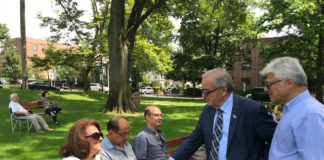 Assemblyman Anthony D'Urso greets constituents at the SHAI picnic. (Photo courtesy of Assemblyman Anthony D'Urso's office)