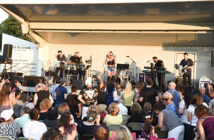 Persian pop star Sepideh performs before a receptive audience at North Hempstead Beach Park in Port Washington. (Photo courtesy of the Town of North Hempstead)