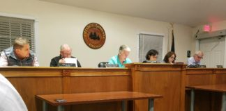 Residents and trustees discussed tennis, safety and Mayor Steven Kirschner's pending retirement from village government. (Photo by Janelle Clausen)