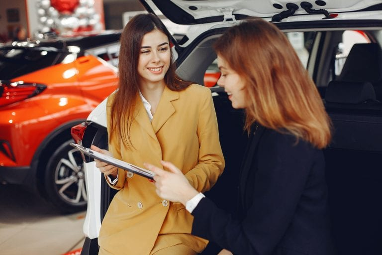 To Lease Or To Finance A Car? Know The Pros And Cons to Make the Right Decision
