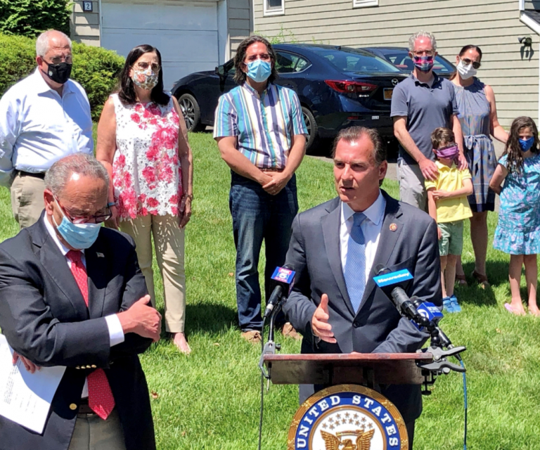 Suozzi, Schumer roll out legislation to allow for full deduction of state and local taxes