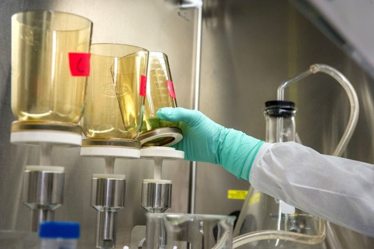 5 Best Synthetic Urine Brands & Fake Pee Kits [2021 Update]