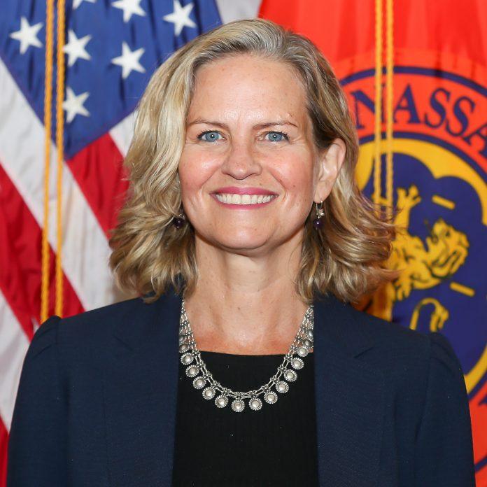 Laura Curran announces re-election campaign for Nassau County executive