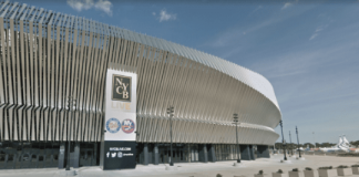 Gov. Andrew Cuomo announced the Nassau Coliseum can open 50 percent of its seating to fully vaccinated patrons ahead of the Islanders' playoff series against the Pittsburgh Penguins. (Photo courtesy of Google Maps)