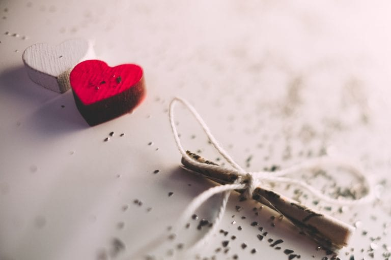 How To Cast A Love Spell: Guide For Modern Love Spells; Curses In 2021