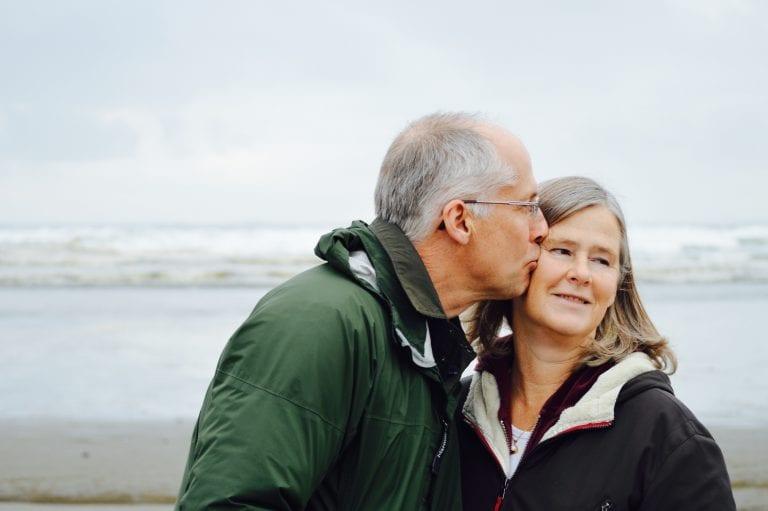 Best Senior Dating Sites; Apps For Singles Over 40,50,60
