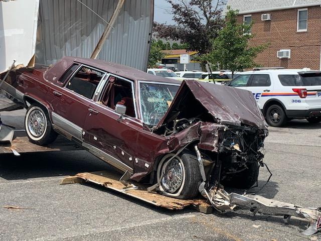 Driver dies when car crashes into Williston Park home