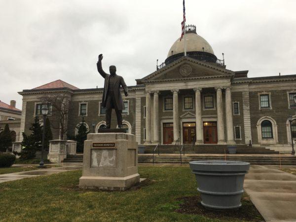 Majority legislators propose amendments to Curran's proposed 2022 budget
